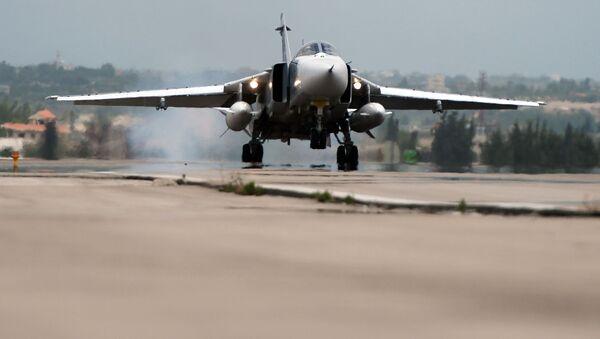 Ruský letoun Su-24 v Sýrii - Sputnik Česká republika