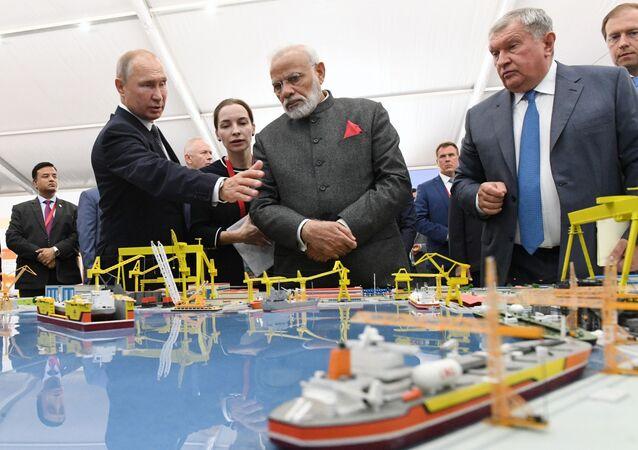 Ruský prezident Vladimir Putin a indický premiér Naréndra Módí ve Vladivostoku