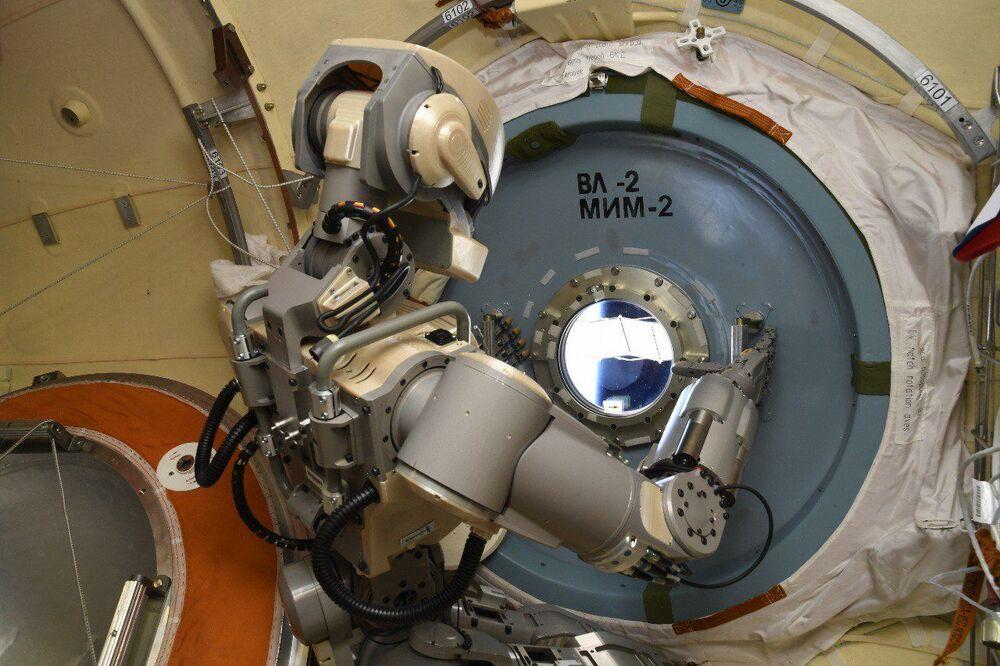 Skybot F-850 na oběžné dráze ISS.