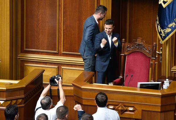 Ukrajinský prezident Volodymyr Zelenskyj na zasedání Nejvyšší rady v Kyjevě. - Sputnik Česká republika