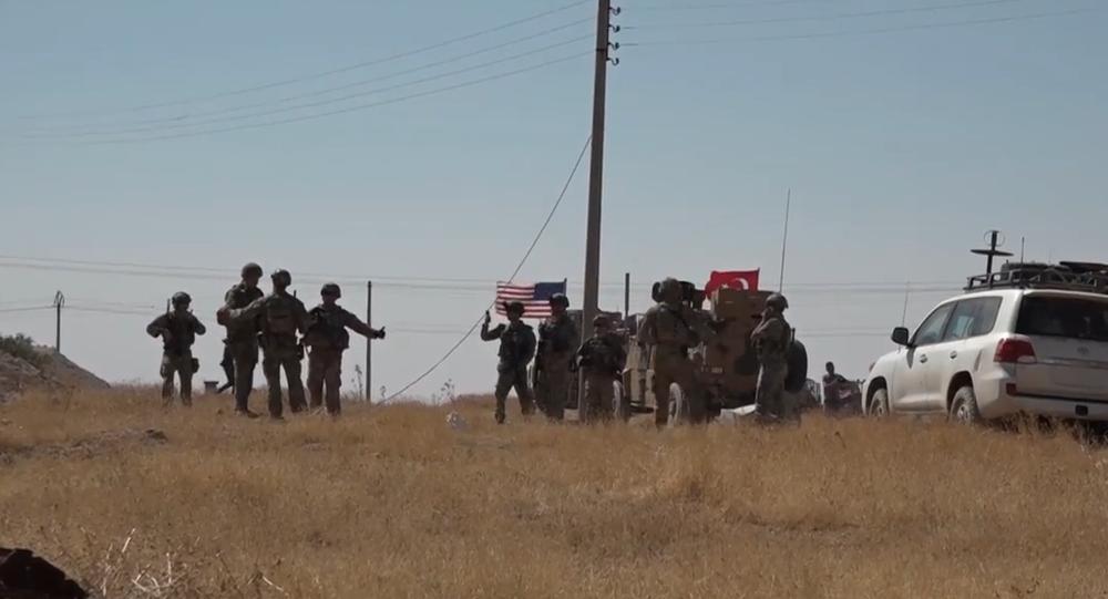 Video: Armády Turecka a USA provádějí společné hlídky na severovýchodě Sýrie