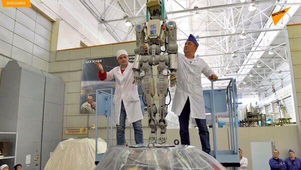Robot Fjodor zveřejnil video, jak byl vytažen z lodi Sojuz. Byla to jeho poslední mise. - Sputnik Česká republika