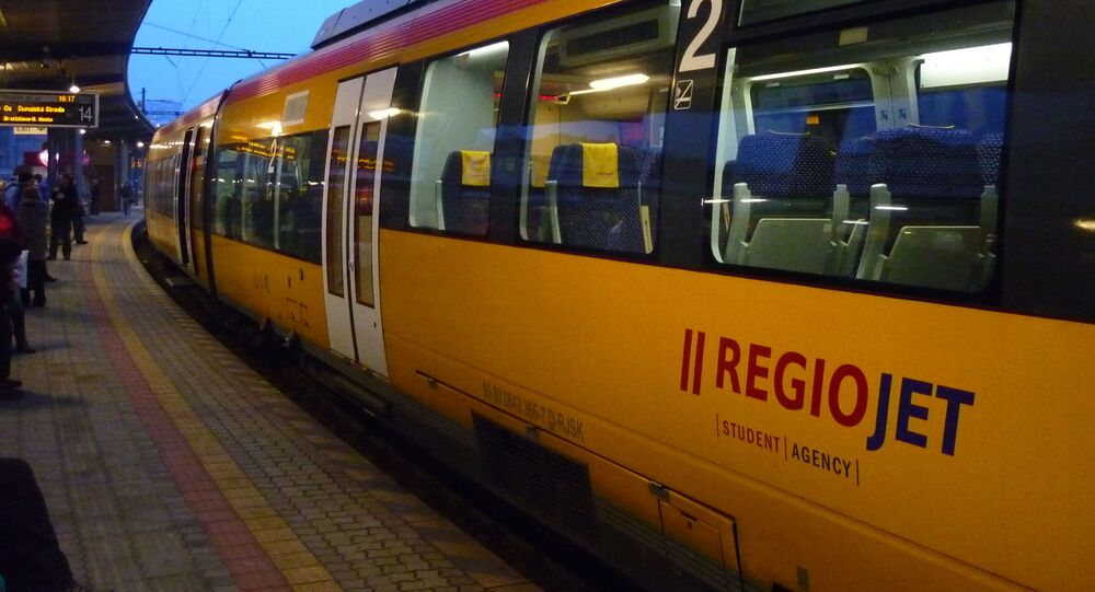 Vlak společnosti Regiojet v Bratislavě