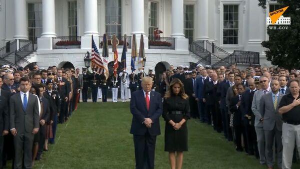 Donald Trump a jeho manželka uctili památku obětí útoku z 11. září - Sputnik Česká republika
