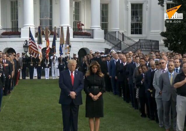 Donald Trump a jeho manželka uctili památku obětí útoku z 11. září