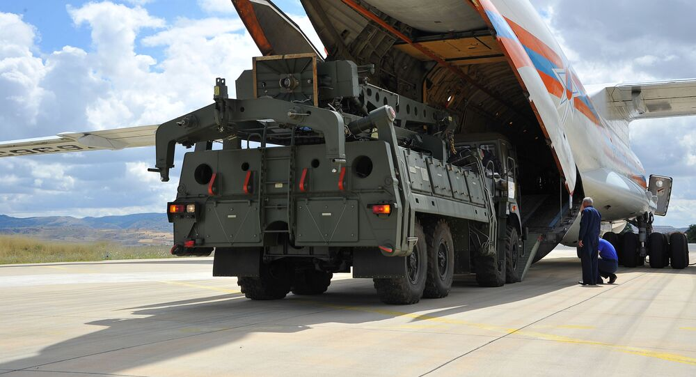 Dodávka protivzdušného raketového systému S-400 do Turecka