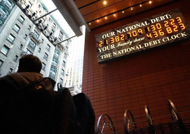 Suma státního dluhu США