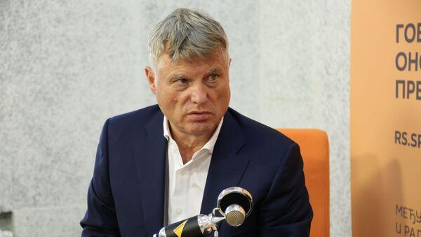 Srbský velvyslanec v Rusku, bývalý sloupkař Sputniku a vojenský odborník Miroslav Lazanski - Sputnik Česká republika