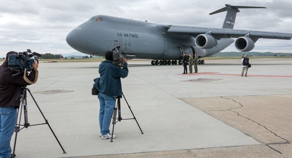 Americký letoun C-5 Super Galaxy