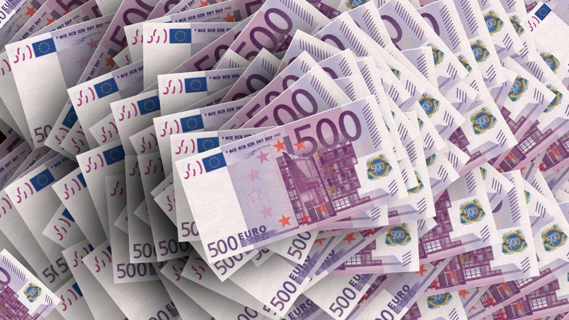Bankovky v hodnotě 500 eur - Sputnik Česká republika, 1920, 03.07.2021