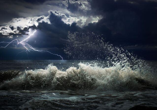 Bouřka na moři