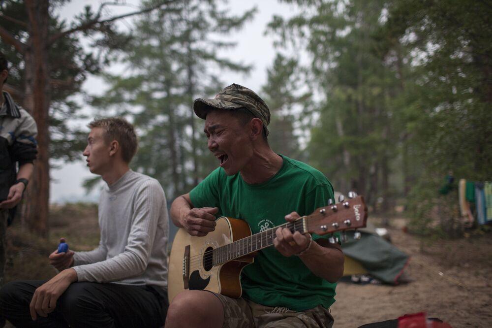 Turisté rádi přijíždějí na Bajkal