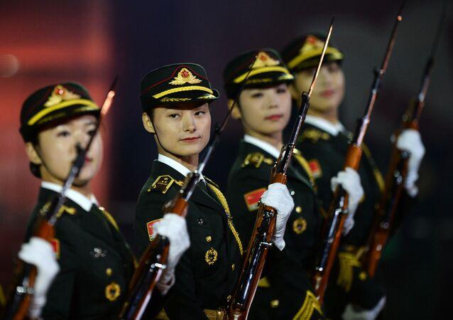 Číňanky ve vojenské uniformě