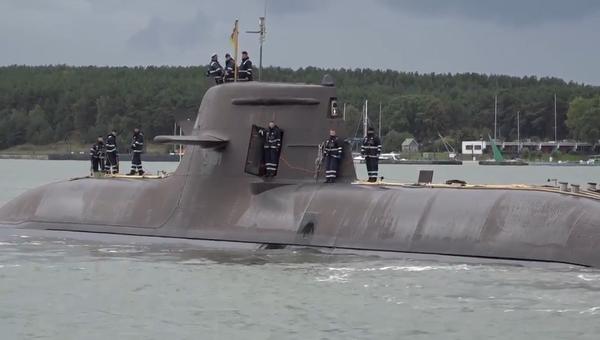 Video: Německá ponorka poprvé za 18 let vplula do litevského přístavu Klajpeda - Sputnik Česká republika