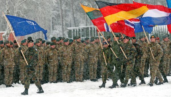 Vojáci NATO během cvičení na vojenské základně Rukla v Litvě - Sputnik Česká republika
