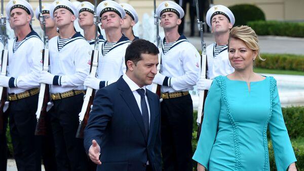 Zuzana Čaputová s Volodymyrem Zelenským - Sputnik Česká republika