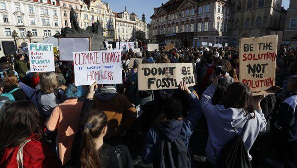 Stávka za klima na Staroměstském náměstí  - Sputnik Česká republika