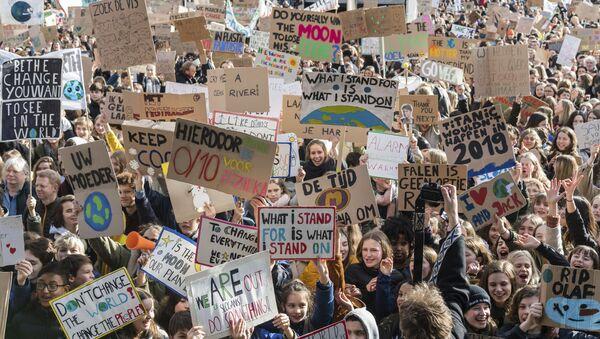 Protestní akce v belgické Lovani proti klimatickým změnám - Sputnik Česká republika