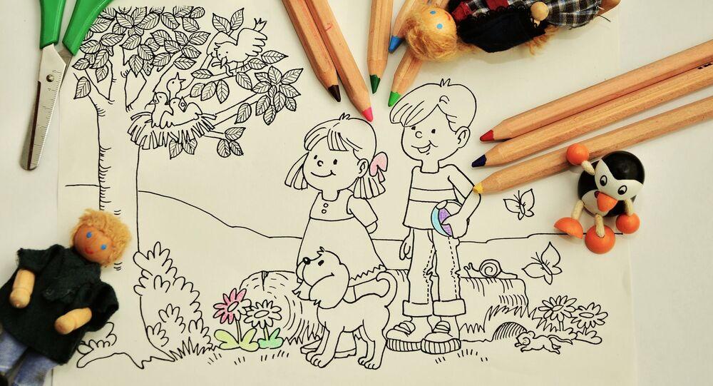 Dětské omalovánky a tužky