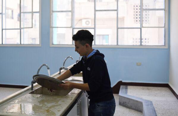 Jak vypadá skutečné přátelství: Rusko pomohlo Sýrii při obnově školy v Damašku - Sputnik Česká republika