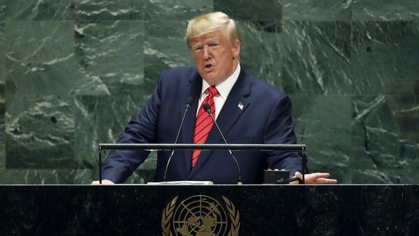 Президент США Дональд Трамп во время выступления на Генеральной ассамблее ООН - Sputnik Česká republika