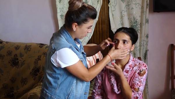"""Video: Žena pláče krystaly """"diamatů"""". Toto ojedinělé onemocnění šokovalo nejen svět, ale i lékaře - Sputnik Česká republika"""