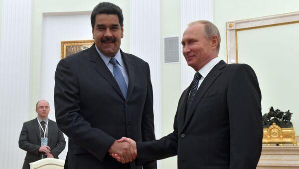 Ruský prezident Vladimir Putin a venezuelský prezident Nicolás Maduro - Sputnik Česká republika