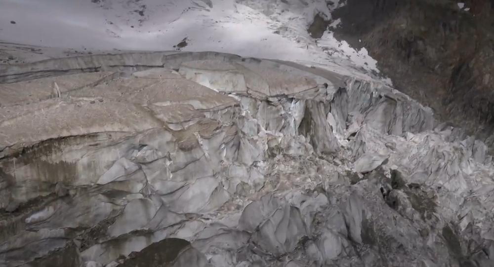 Video: Ledovec Mont Blanc je na pokraji zhroucení