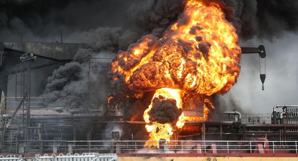 Nákladní loď s ropnými produkty explodovala v přístavu Jižní Koreje