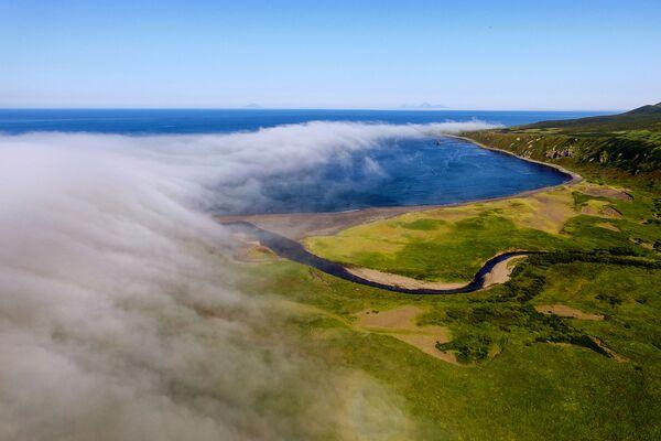 Novokurilský záliv na ostrově Urup - Sputnik Česká republika