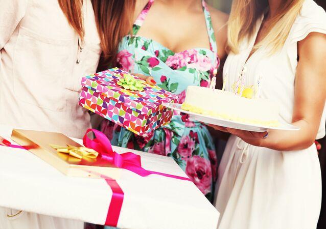 Dívky oslavují narozeniny