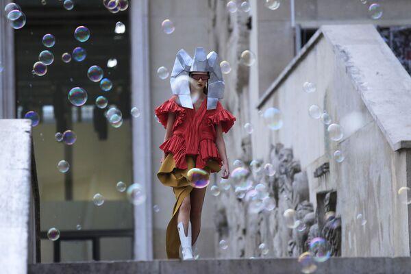 Modelky během předvádění kolekce Rick Owens - Ready To Wear. - Sputnik Česká republika