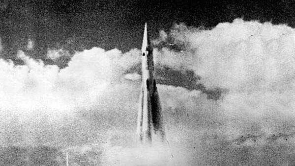 První start mezikontinentální balistické dvoustupňové rakety R-7 - Sputnik Česká republika
