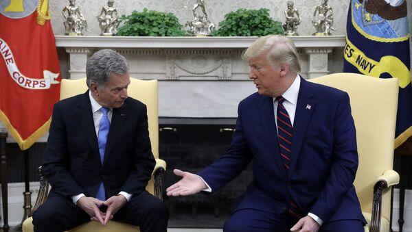 Setkání prezidenta Finska Sauli Niinistöho a amerického prezidenta Donalda Trumpa - Sputnik Česká republika