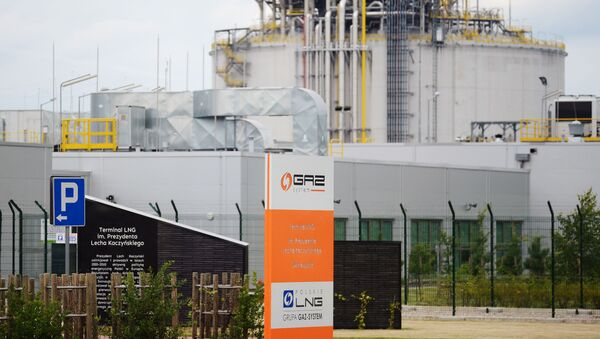 LNG terminál ve Svinoústí v Polsku - Sputnik Česká republika