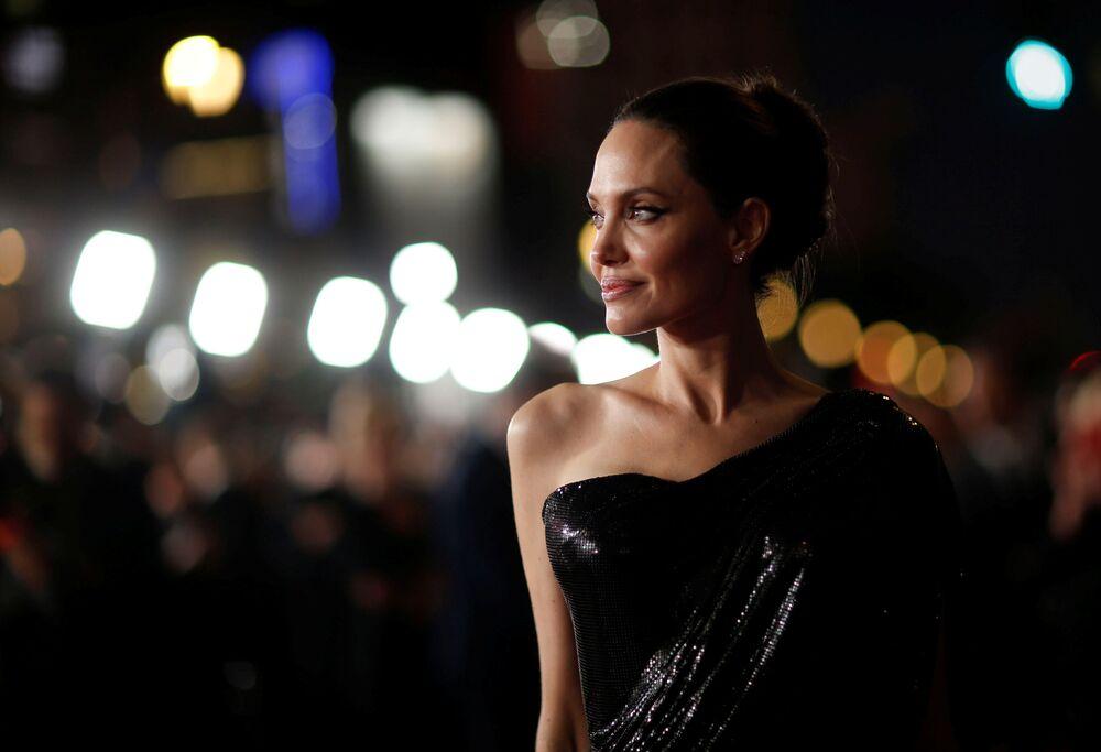 Angelina Jolie na premiéře filmu Maleficent: Lady of Darkness v Los Angeles.