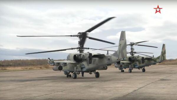 Byla natočena střelba bitevních vrtulníků Ka-52 Alligator  - Sputnik Česká republika