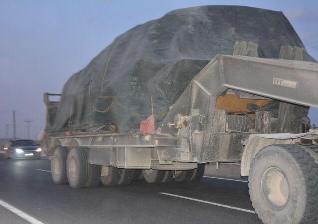 Turecko stahuje své síly na hranici se Sýrií