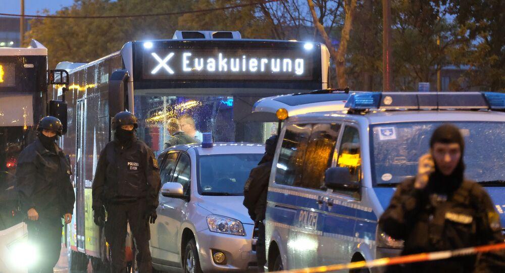 Evakuační autobus v německém Halle