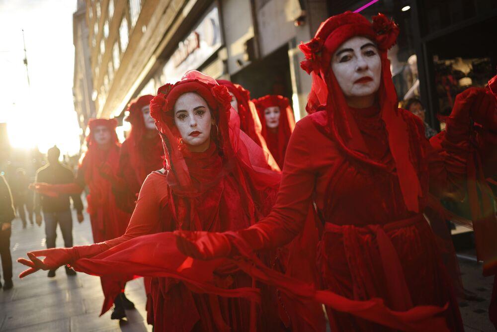 Ekologičtí demonstranti v Londýně