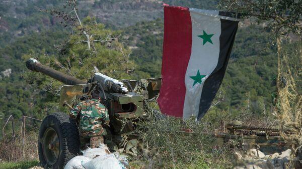 Syrští dělostřelci v Idlibu - Sputnik Česká republika