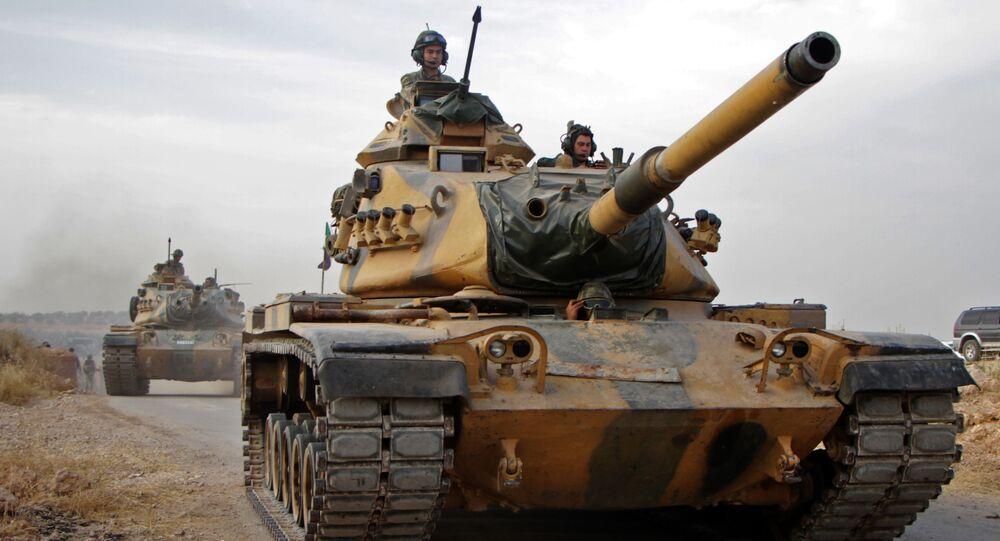 Turečtí vojáci s americkými tanky M60 v Sýrii
