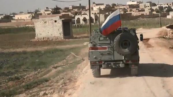 Video: Ruští Tigři v Sýrii. Záběry hlídky ruské armády v klíčovém syrském bodu pro zajištění bezpečnosti - Sputnik Česká republika