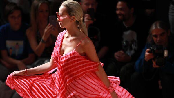 Elegance i ruské modely: Týden módy Mercedes-Benz v Moskvě  - Sputnik Česká republika