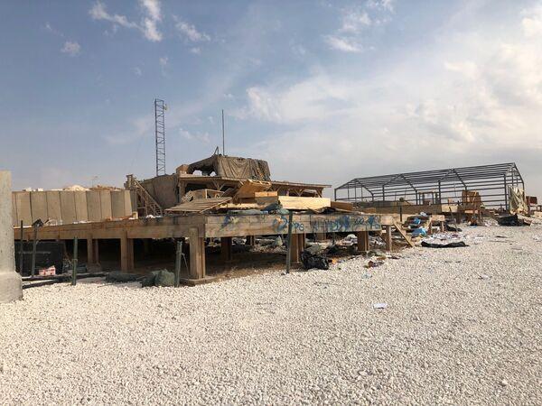 Opuštěná americká základna v okolí vesnice Dadat na severovýchodě Sýrie. - Sputnik Česká republika