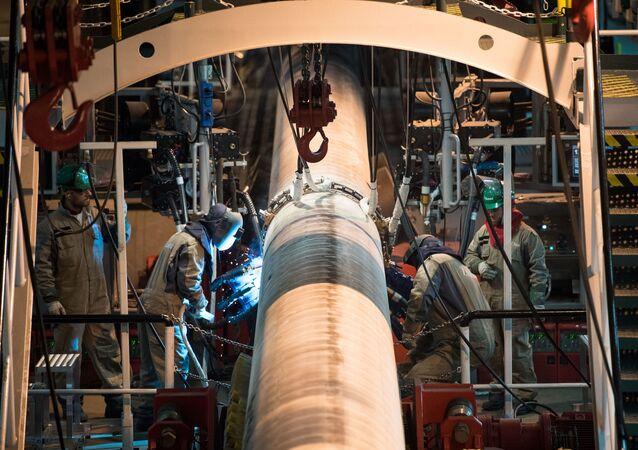 Pokládka potrubí plynovodu Turecký proud