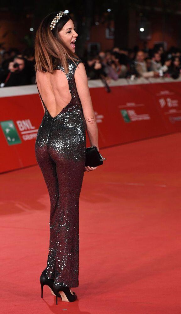 Herečka Alessia Fabianiová na červeném koberci před premiérou filmu Irčan na 14. mezinárodním filmovém festivalu v Římě.