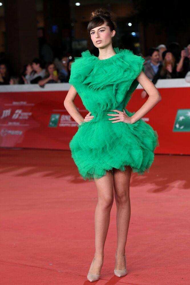 Herečka Nicole McKayová na červeném koberci před premiérou filmu Judy na 14. mezinárodním filmovém festivalu v Římě.