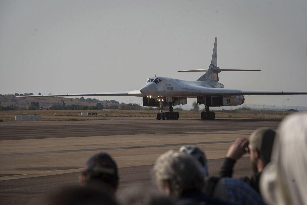 Ruský strategický bombardér Tu-160 v Jihoafrické republice.