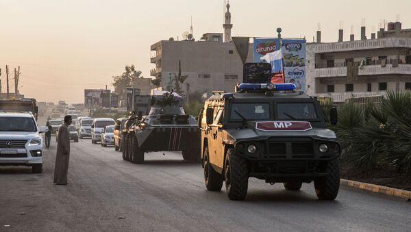 Ruská vojska hlídkují v Amudě na severu Sýrie - Sputnik Česká republika